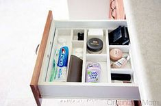 don't waste space with plastic drawer inserts that fit poorly -- make a custom drawer divider using cheap wood lath and glue. Ideal for renters too as it slips in and out. Organization Project With Apartment Guide Diy Drawer Dividers, Diy Drawer Organizer, Drawer Inserts, Drawer Organisers, Door Dividers, Drawer Storage, Drawer Unit, Bathroom Organization, Bathroom Storage