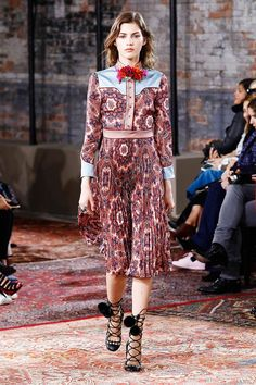 Fashion-Resort-Gucci-Cruise-2016-Runway