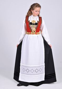 ❤️Oslo bunad dame til salgs · GitBook Folk Costume, Costumes, Ethnic Fashion, Oslo, Traditional Dresses, Norway, Russia, Anna, Lace