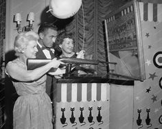 United Deluxe Carnival Shooting Gallery 1954 8x10 Reprint Of Photo
