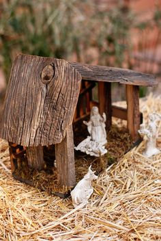 Rustic Nativity Stables from 100 year old Reclaimed by JaysOldBarn, $39.00