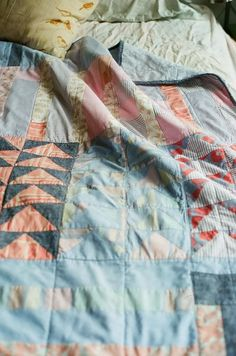 all the sweet prettiness of life — ruralgirl: (via Pin by Kelly McCaleb on quilts Textiles, Plaid Patchwork, Flying Geese Quilt, Quilt Making, Quilt Blocks, Quilt Patterns, Needlework, Sewing Projects, How To Make