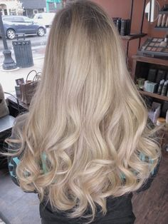Amazing Blond Balayage Hair Colors For Long Hair In 2019 - Page 11 of 16 - Dazhimen Hair Color Balayage, Hair Highlights, Dark Balayage, Short Balayage, Wavy Hair, Dyed Hair, Hair Color Guide, Blonde Hair Looks, Ashy Blonde