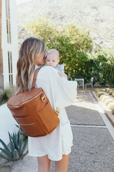 Today you will find some guidance about diaper bags for your baby. Have fun the article. Diaper Bag Backpack, Backpack Straps, Best Diaper Bag, Baby Diaper Bags, Fawn Diaper Bag, Dipper Bag, Fawn Design Diaper Bag, Leather Diaper Bags, Viajes