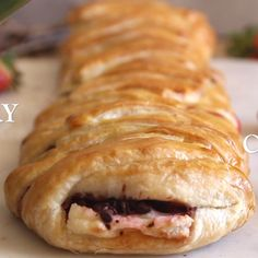 Strawberry Cream Cheese Strudel a fast easy and delicious Summer Dessert recipe filled with Fresh Strawberries Cream Cheese and Chocolate Chips. Summer Dessert Recipes, Peanut Butter Dessert Recipes, Healthy Dessert Recipes, Desserts For A Crowd, Fancy Desserts, Delicious Desserts, Strawberry Cream Cheese Dessert, Strawberries And Cream, Easy Cream Cheese Desserts