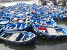 Im Fischereihafen von Essaouira an der Atlantikküste in Marokko Marrakech, Strand, Abs, Boat, Morocco, Road Trip Destinations, Summer Recipes, Nature, Dinghy