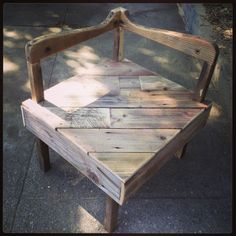 furniture made from Wooden Pallets and Fence Wood Recycled Pallet Furniture, Pallet Furniture Plans, Recycled Wood, Furniture Projects, Diy Furniture, Diy Pallet Projects, Wood Projects, Pallet Ideas, Pallet Crates