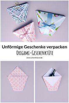 Süße Verpackungsidee für kleine oder unförmige Geschenke. Die Origami-Geschenktüte habt ihr in nur drei Schritten aus Geschenkpapier gefaltet. Und weil ihr die Größe selbst bestimmen könnt, passt sie für (fast) jedes Geschenk. Diy And Crafts, Paper Crafts, Stamping Up, Gift Packaging, How To Memorize Things, Hobbies, Wraps, Gift Wrapping, My Favorite Things