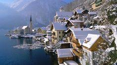 Hallstatt -AUSTRIA- EUROPA  está incluida en la lista de Patrimonio de la Humanidad por la UNESCO y es considerada por muchos una de la ciudades más bonitas a orillas de un lago (el Hallstätter See). Se trata de un pueblicito de cuento en plenos Alpes Austriacos.