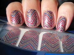 Sparkly Vernis: Incoco Zig....LOVE THESE!       Mall or online.