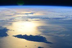 Terry W. Virts (@AstroTerry)   Corse, île de Beauté, ton soleil se couche sur ta nature indomptée
