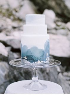 Marble Wedding Cakes for a Modern Bride.If you like a modern and elegant wedding decor then you will love these wedding cake decorated with marbleized fondant. Here's 11 marble wedding cakes that are perfect for a modern bride! Elegant Wedding Cakes, Beautiful Wedding Cakes, Wedding Cake Designs, Beautiful Cakes, Beautiful Things, Watercolor Wedding Cake, Tattoo Watercolor, Watercolor Trees, Watercolor Animals