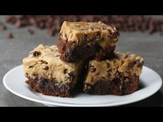 6 Ways To Make Better Boxed Brownies - Video Recipe, Ingredients list and easy step by step instructions. Visit us online for more Tasty Recipes! Peanut Butter Swirl Brownies, Cookie Dough Brownies, Cream Cheese Brownies, Box Brownies, Dark Chocolate Brownies, Mini Chocolate Chips, Turtle Brownies, Cheesecake Brownies, Fudgy Brownies