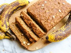 Fluffy Vegan Banana Bread (Gluten-Free, 9 Ingredients!)