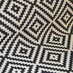 """Tissu """"vannerie noir"""" vendu par multiple de 10cm"""