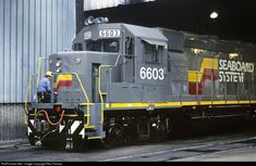 RailPictures.Net Photo: SBD 6603 Seaboard System EMD GP40-2 at Louisville, Kentucky by Ron Flanary