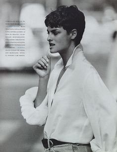 Gianfranco Ferre - Linda Evangelista, Vogue Italia October by Peter Lindbergh Classic White Shirt, Crisp White Shirt, White Button Down Shirt, White Shirts, Peter Lindbergh, Linda Evangelista, Androgynous Girls, Gianfranco Ferre, Ferrat