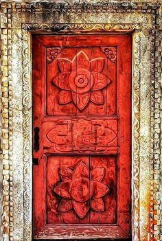 26 ideas beautiful old door puertas for 2019 Cool Doors, Unique Doors, The Doors, Windows And Doors, Knobs And Knockers, Door Knobs, Entrance Doors, Doorway, Door Gate