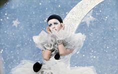"Twiggy as Pierrot in ""The Boyfriend"" film 1971 Twiggy, Hipsters, Bel Air, Christopher Niquet, Louise Ebel, Pierrot Clown, Ken Russell, Pandora, My Fair Lady"