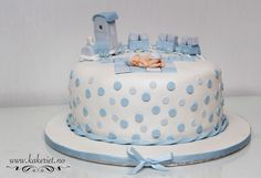 Dåpskake Casper Christening cake with train Baby Cakes, Butter Dish, Christening, Doll, Train, Conch Fritters, Puppet, Dolls, Baby