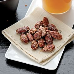 Chili-Spiced Almonds - These flavorful nuts make a convenient, portable snack. Store at room temperature in an airtight container for up to a week. Healthy Appetizers, Appetizer Recipes, Healthy Snacks, Snack Recipes, Cooking Recipes, Appetizer Ideas, Healthy Recipes, Snacks Kids, Healthy Eating