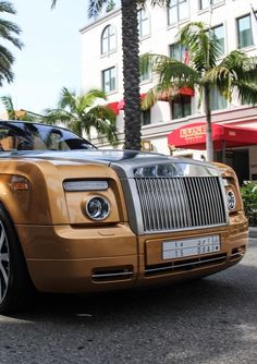 Rolls Royce Phantom- | ~LadyLuxuryDesigns Mclaren Cars, Car Shoe, Aircraft Engine, Rolls Royce Phantom, Dream Machine, Car Photography, Future Car, Hot Cars, Motor Car