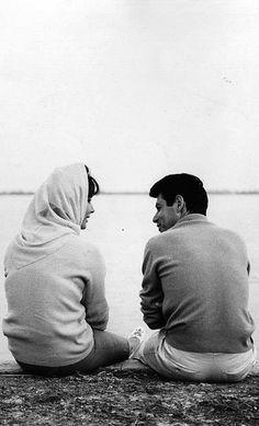 Elizabeth Taylor and Eddie Fisher chatting