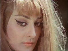 Saira Banu, love these retro bollywood eyes