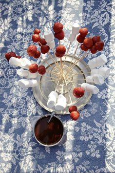 Schokoladen Marshmellows mit Erdbeeren tastesheriff.com