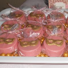 Masquerade Chocolate Covered Oreos in pink and gold by Favors by Lauren (http://www.etsy.com/shop/FavorsbyLauren)