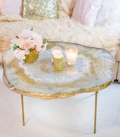 Original resin geode table - This beautiful one of a kind resin geode coffee ta. - Original resin geode table – This beautiful one of a kind resin geode coffee table impresses wit - Geode Decor, Diy Resin Art, Diy Resin Crafts, Resin Furniture, Home Furniture, Home Design, Interior Design, Diy Deco Rangement, Flüssiges Gold