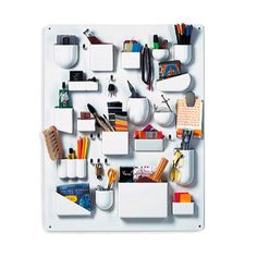 Auxiliar UtenSilo - Vitra.  Colección del Vitra Design Museum. Características: Plástico ABS, ganchos metálicos, niquelados. Precio: 281,00 € Medidas: Longitud: 65cm.  Profundidad: 52cm.  Altura: 68cm.
