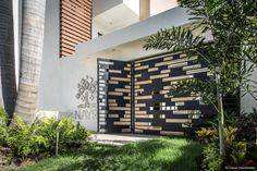 15 puertas y portones que le darán un toque moderno a tu entrada (De Xochitl Díaz)