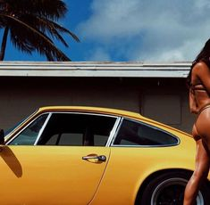 kawasaki,porsche and vespa Porsche 911 Classic, Porsche 912, Porsche Carrera, Porsche Cars, Algarve, Car Places, Airplane Car, Vintage Porsche, Sweet Cars