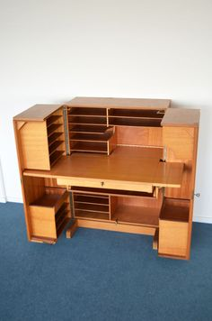 Mummenthaler & Meier - Desk in a Box