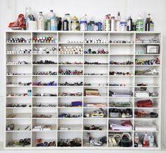 this shows organisation because everything is put on each shelf in order and in a certain place not just put anywhere