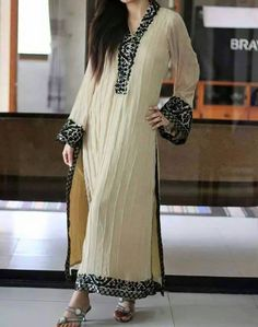 Abaya Fashion, India Fashion, Boho Fashion, Fashion Outfits, Kurti Designs Party Wear, Kurta Designs, Pakistani Outfits, Indian Outfits, Pakistani Clothing