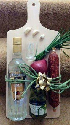 Prkenko pro gurmany – – Homemade presents Creative Gift Wrapping, Creative Gifts, Diy Christmas Gifts, Holiday Gifts, Diy Birthday, Birthday Gifts, Birthday Souvenir, Homemade Gifts, Diy Gifts