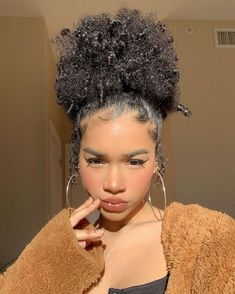 Lace Frontal Wigs Half Up Curly Hair Short Haircuts For Fine Curly Hair Best Women Curly Wigs Blunt Curly Hair Half Up Curly Hair, Fine Curly Hair, Black Curly Hair, Curly Wigs, Thick Hair, Updo Curly, Short Afro Hairstyles, Inverted Bob Hairstyles, Baddie Hairstyles