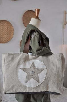 Browse all products in the Sacs et pochettes category from Smile. Textiles, Big Cartel, Cute Bags, Purses And Bags, Gym Bag, Reusable Tote Bags, Sewing, Ainsi, Addiction
