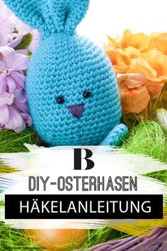 Osterdeko selbst gemacht: Wunderschöne Ideen zum Basteln. Wie wäre es mit gehäkelten Osterhasen? Hier geht's zur Anleitung. Crochet Hats, Easter Ideas, Tricks, Holiday, Diy, Crafts, Craft Tutorials, Creative Ideas, Knitting Hats