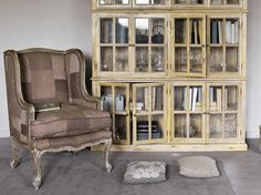 Salon à l'ancienne / Old fashioned livingroom : http://www.maison-deco.com/salon/deco-salon/Le-tartan-a-l-honneur-cet-hiver