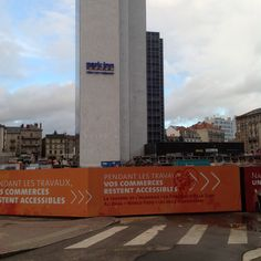 Le tour de la tour , (soonnew place in front of the rail station)