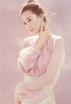 Chinese actress Liu Shishi poses for fashion magazine | China Entertainment News