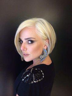 A nova deusa platinada Natalia Rodrigues pra sua nova série, agora no MG Hair Design