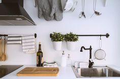 Cozinha clássica nunca desilude o cozinheiro. #todosmomentoscontam #cozinha #catálogoikea2016 #ikeaportugal