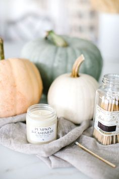 Monika Hibbs | Warm, Welcoming Autumn Home Decor | http://www.monikahibbs.com