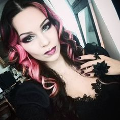 Big blue eyes and pink hair :D #pink #hair #pale #goth #gothic #makeup #makeupaddict