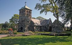 St Anne's church on the rocky ocean clifts of Kennebunkport. Will get married here.