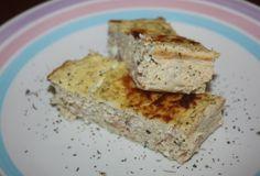 Torta de ricota e atum200 Grama (s) de queijo cottage 250 Grama (s) de ricota magra / 200 Grama (s) de atum natural / 100 ML de leite desnatado / 2 ovos / sal a gosto / 1 Punhado (s) de orégano /